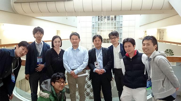 2016年米国血液学会に参加した際、UCSDを訪問(右から3番目が菊繁氏)