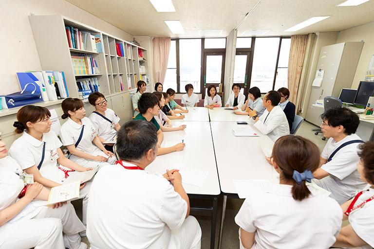 提案型の多職種連携がさらに進化 患者と医師・看護師がコアとなり病歴と病状を共有(前編)